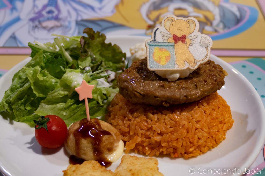 Comiendo en el Animate Cardcaptor Sakura cafe